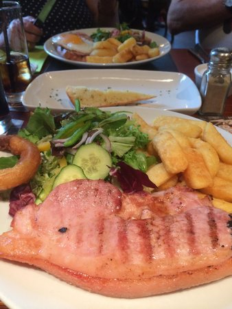 Bowness-on-Windermere, UK: Gammon yummy x