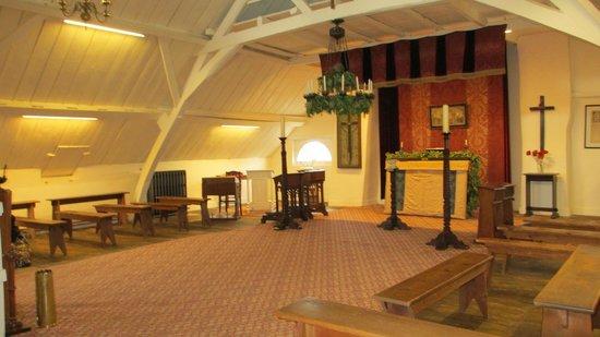 Talbot House: the little chapel