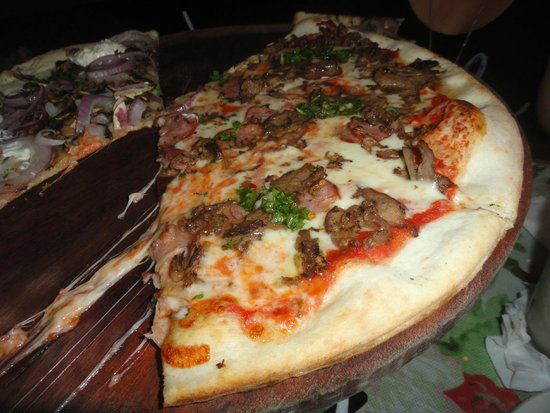 Pirilo Pizza Rustica: Thin crust half La Pampa and half Genoveva
