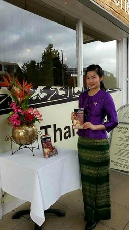 Thai Brasserie: Sawadeeka ( welcome )