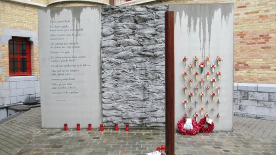Poperinge Town Hall Death Cell : the execution post