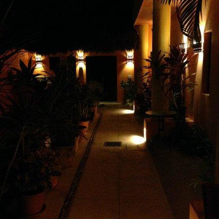 Casita de Maya: By Night