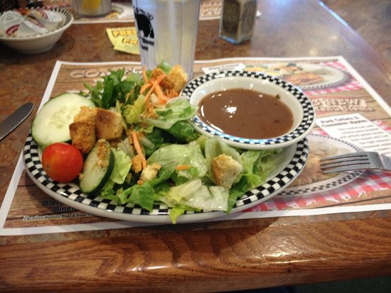 Black Bear Diner : A healthy salad, dressing automatically on the side