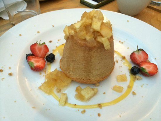 The Brickmakers: Toffee Apple Pudding