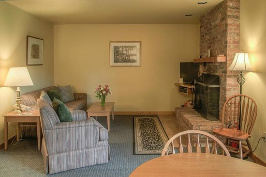 Stowe Motel & Snowdrift : 2 Bedroom Fireplace Suite