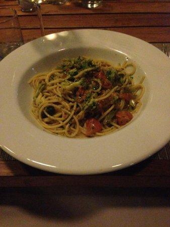 Negroamaro Italian Bar & Restaurant: Spaghetti con polpa di ricci e Broccoletti