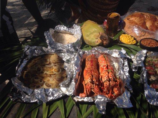 Seakarus Tours: Fish/lobster/conch/crab/ beach bar b q