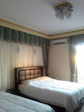 Riverside Garden Resort: our lovely room