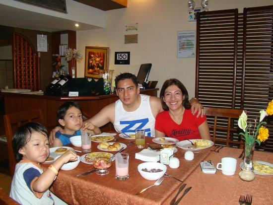 Balandra Hotel: Desayunando en el Hotel