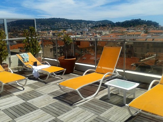 Mercure Nice Centre Notre Dame : Roof terrace with a view