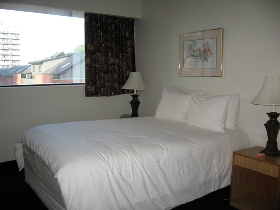 The Business Inn & Suites: Chambre