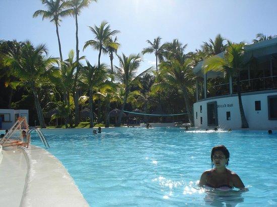 Hotel Riu Naiboa : Piscina