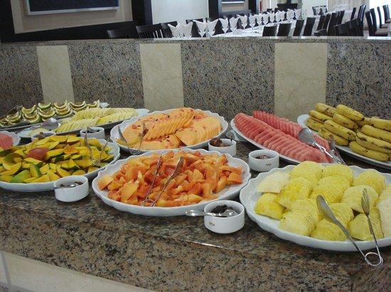 Hotel Riu Naiboa : Frutas