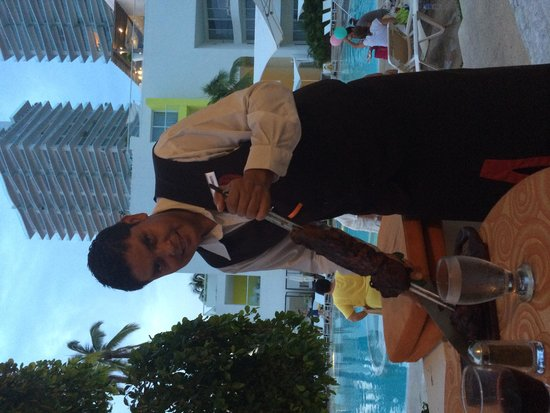 Hilton Puerto Vallarta Resort: Waiter at Fogo's
