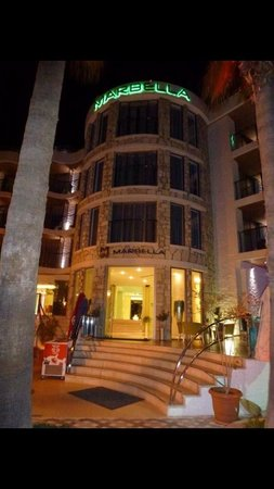 Hotel Marbella : Front of hotel
