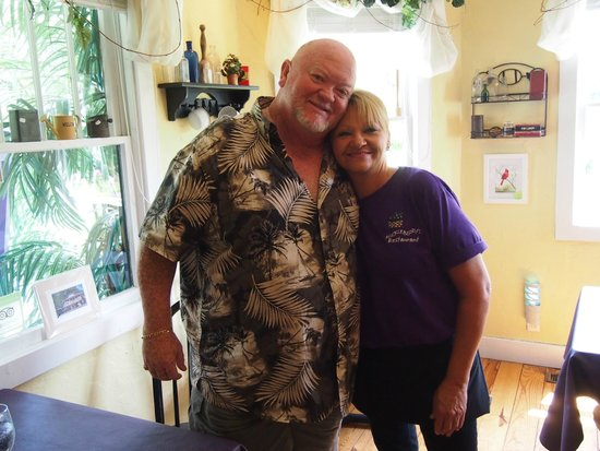 Huckleberry's: Carl surprising sister Kathy Higbee our waitress