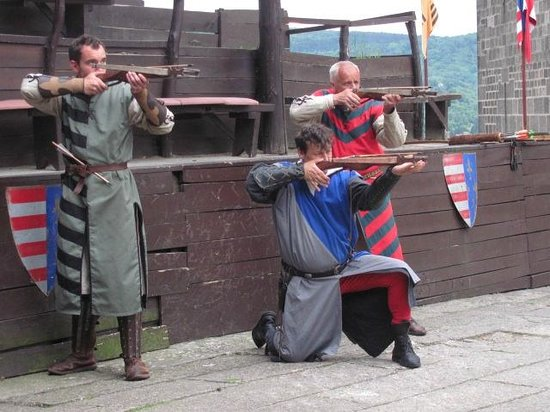 Hotel Visegrad : Archers at the Faire