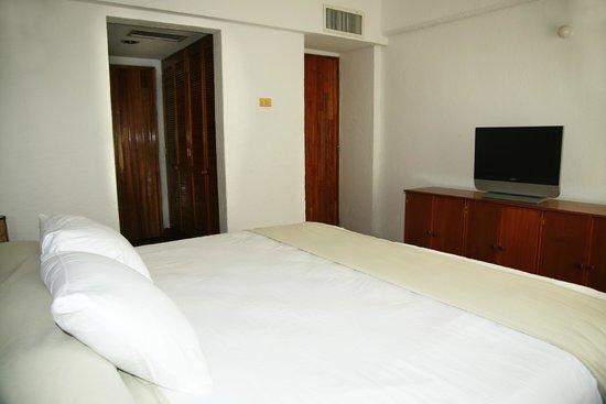 Marina Hotel & Resort: HABITACIÓN CON CAMA KING SIZE