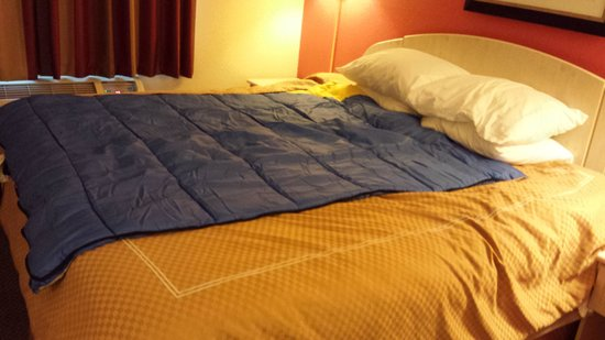 Ramada By Wyndham Sioux Falls Our Sleeping Bag On Top Of The Bed