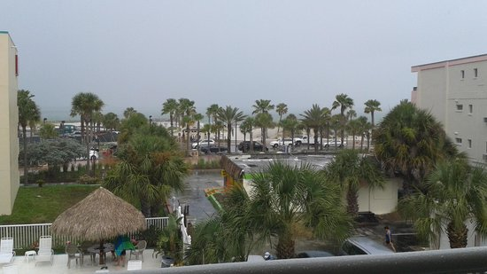 Magnuson Hotel Clearwater Beach: View from Magnuson, third floor