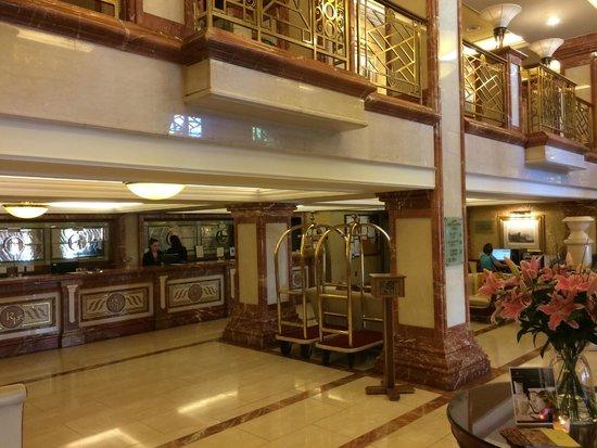 Killarney Plaza Hotel and Spa : Reception