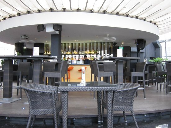 Wangz Hotel: Halo rooftop bar