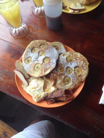Cafe Escondido: banana pancakes