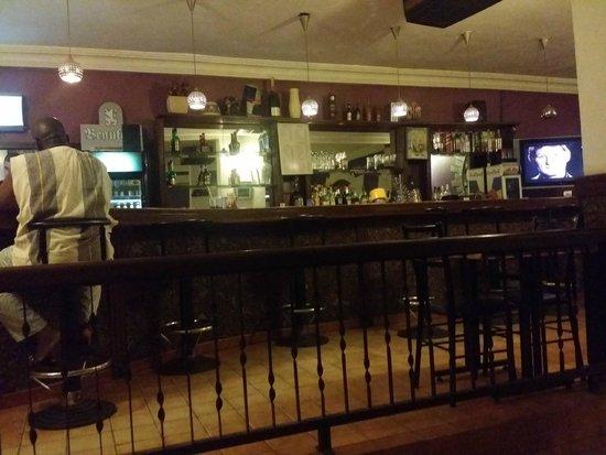 Le Relais Hotel: Bar