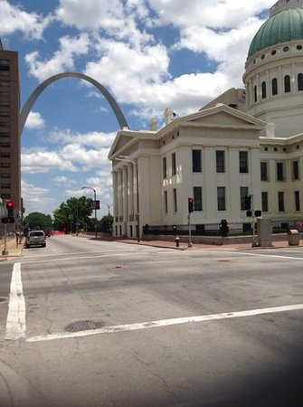 The Hotel Majestic St. Louis: View of the Gateway Arch