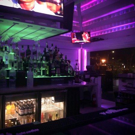 Brickell Bay Beach Club & Spa : Sand Bar