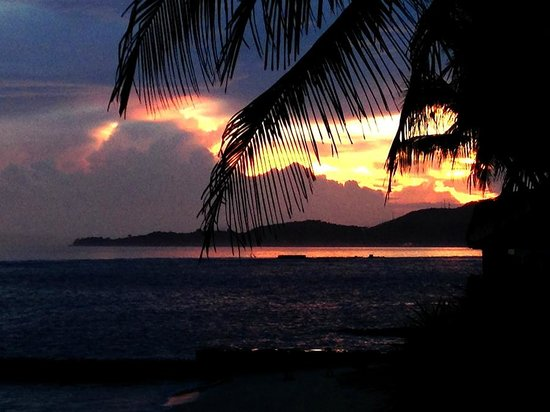 Candi Beach Resort & Spa: Sunset from Candi Beach Cottage