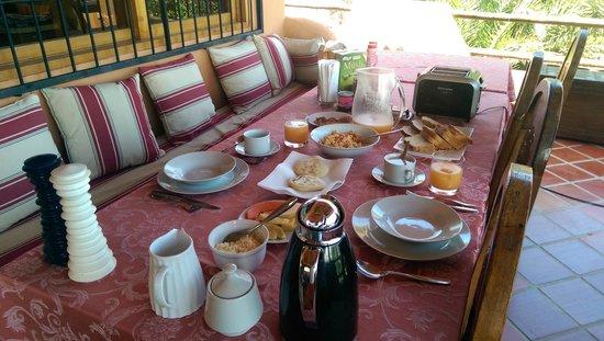 Casa Nora: Comedor y Desayuno