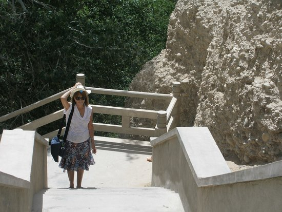 Xiqian Buddha Caves: muchas escaleras