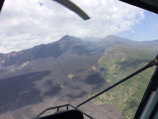 Hotel Villa Ducale: Helicopter over Etna