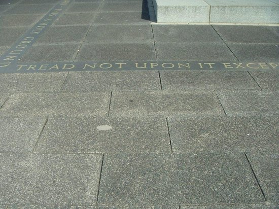 Auckland Museum: Tread not upon....