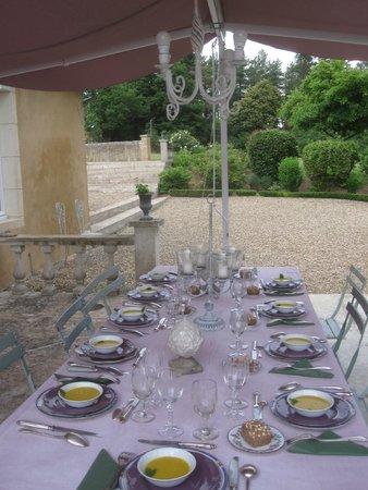 Manoir du Mortier : La table d'hôtes