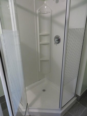 Digby Backpackers Inn: Shower