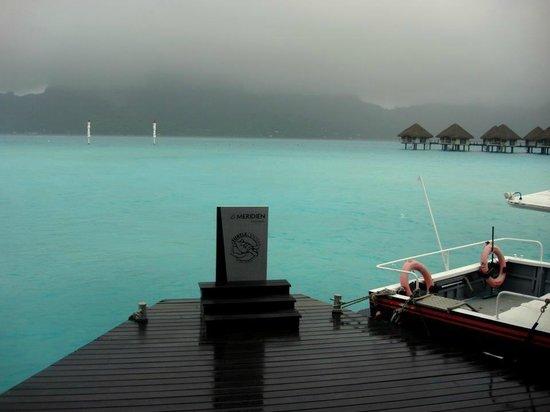 Le Meridien Bora Bora : View from the Pontoon towards the mountain