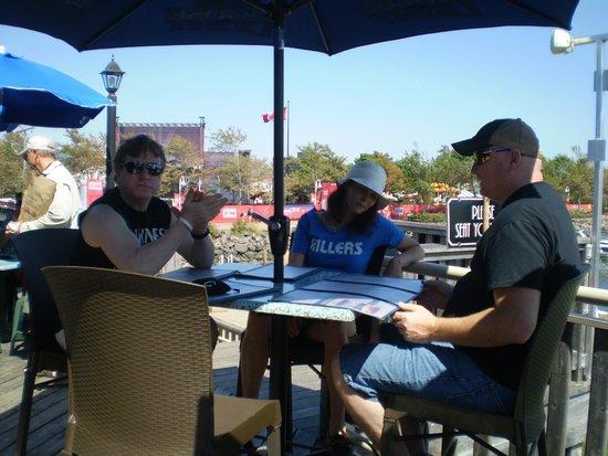 Peakes Quay Restaurant & Bar : Beautiful patio