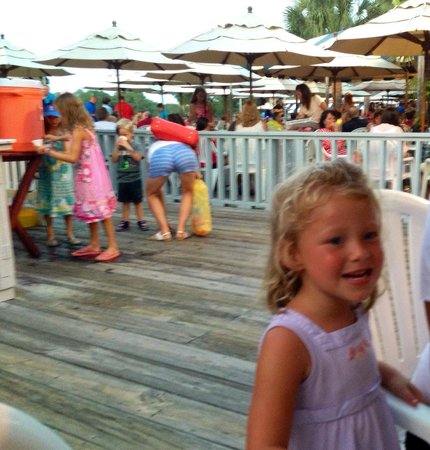 Salty Dog Cafe : Great dinner, but a LONG wait