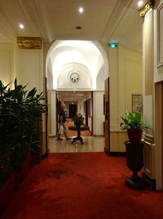 Hotel West End : Pasillo planta baja