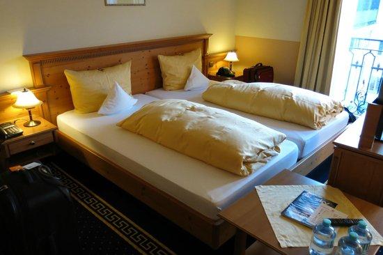 Hotel und Gaststätte zum Erdinger Weissbräu: Comfortable beds