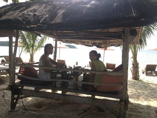 Muang Kulaypan Hotel: Desayunando