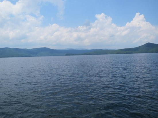 Devils Fork State Park: Great views everywhere you look