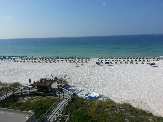 Sundestin Beach Resort: Beach view from room 612
