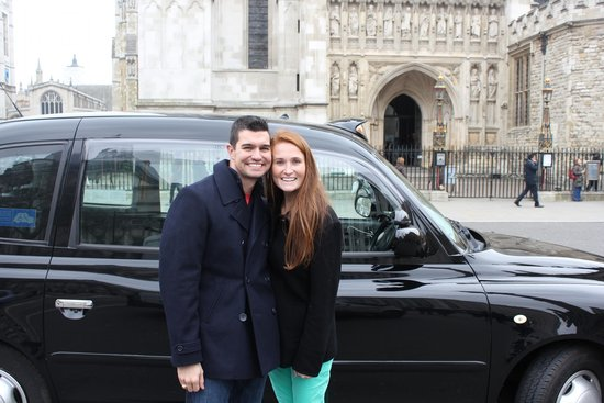 London Black Taxi Tours : In front of the cab