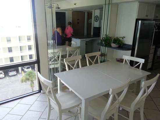 Sundestin Beach Resort: Dining table