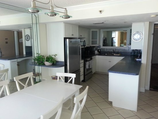 Sundestin Beach Resort: Kitchen/Dining