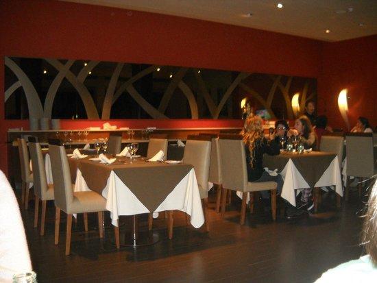 Grand Crucero Iguazu Hotel: Desayunador y restaurant.