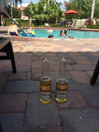 Hampton Inn Orlando/Lake Buena Vista: Tarde na piscina